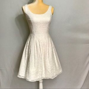 Lilly Pulitzer Dresses - Lilly Pulitzer White Lace Posey Dress